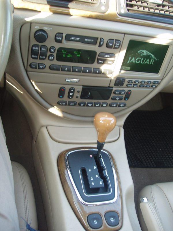 auto-noleggio-mantia-jaguar-1010105-min