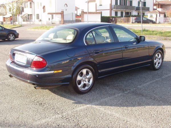 auto-noleggio-mantia-jaguar-1010118-min